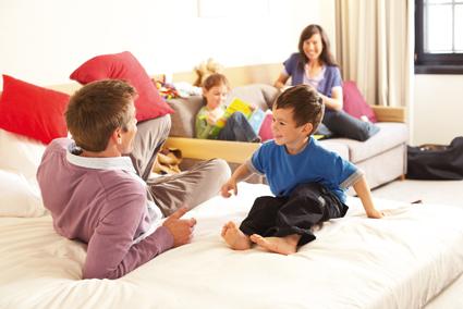 novotel madrid center apuesta por las familias