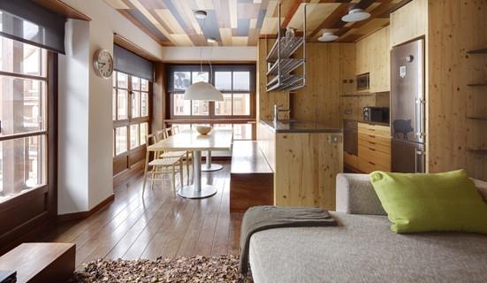Apartamento en Baqueira junto al telecabina de Val de Ruda. tres habitaciones, dos baños, parking y guardaesquíes