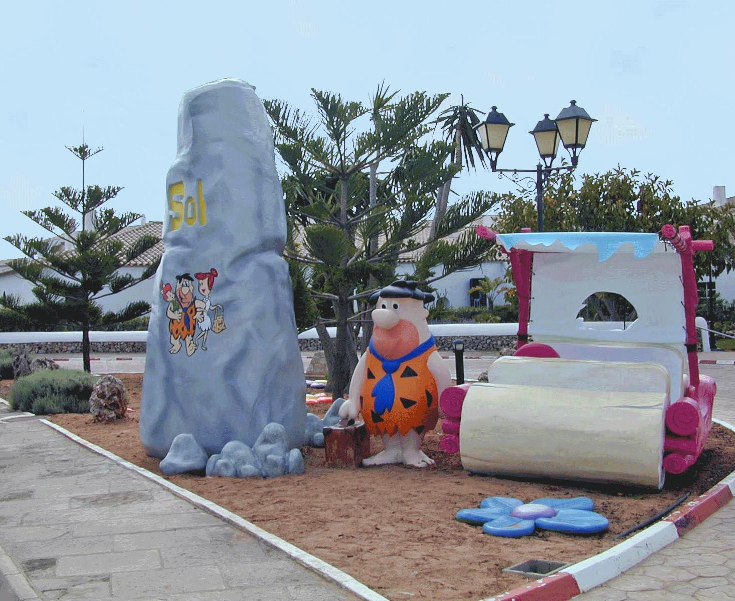 Hoteles tem ticos de los picapiedra for Hoteles para familias en la playa