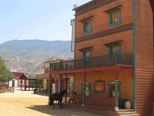 100_alta_oasys-Calle-del-poblado-2