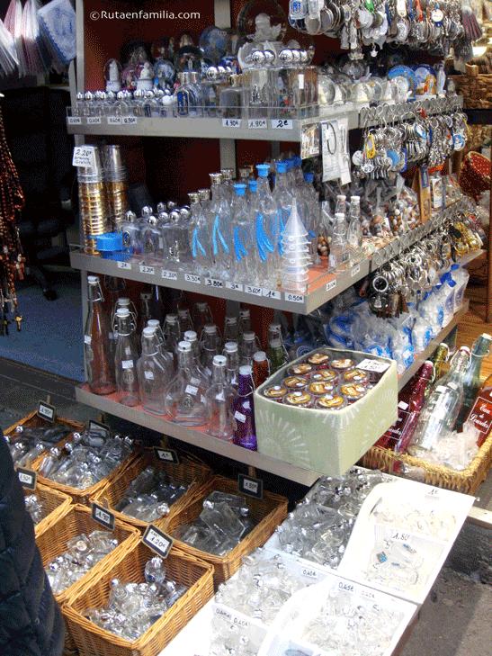 Agua-de-Lourdes-tiendas-©rutaenfamilia.com