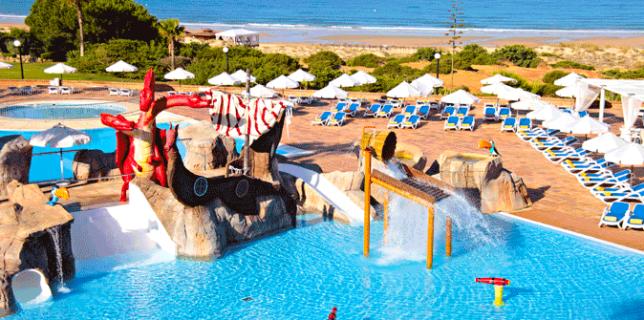 Hoteles de playa familiares for Hoteles para familias en la playa