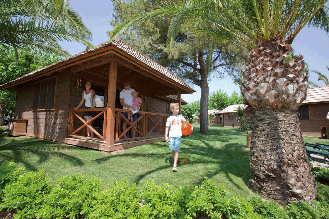 Nuevos bungalows y  miniclub en el Playa Montroig en la Costa Dorada