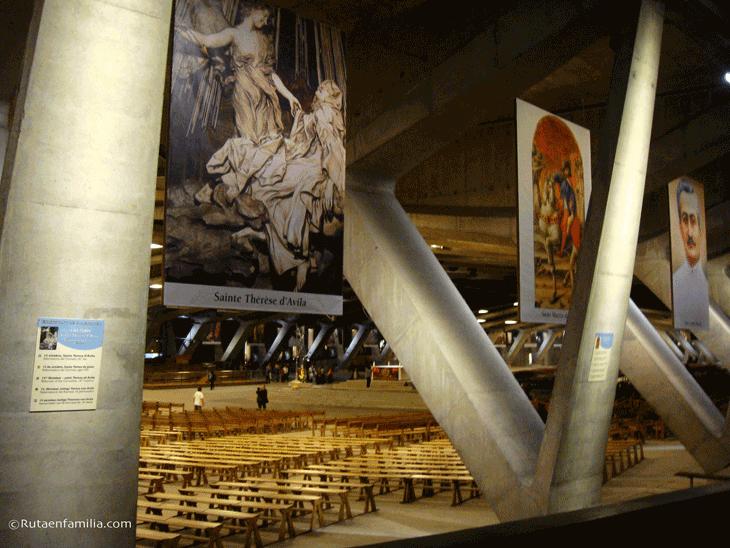 Basilica-Pio-X-Lourdes-©Rutaenfamilia.com