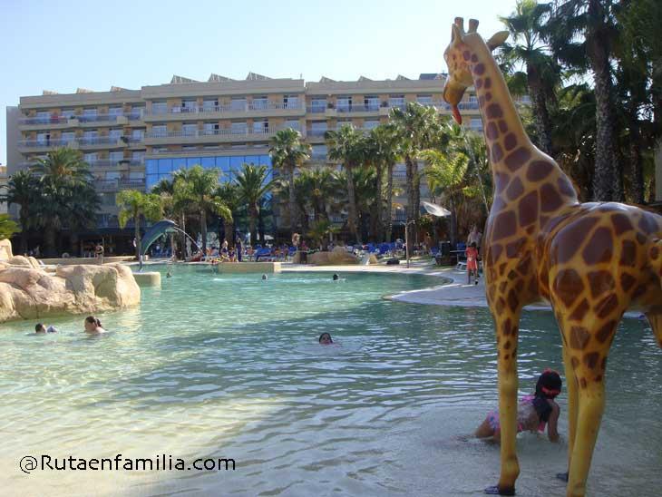 Piscina-hotelPalasPineda-CostaDorada