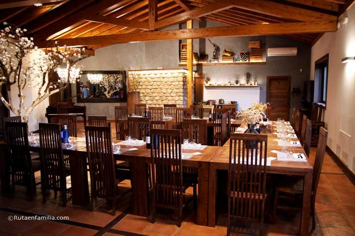 casarural-lasdevilladiego-restaurantebarbecho