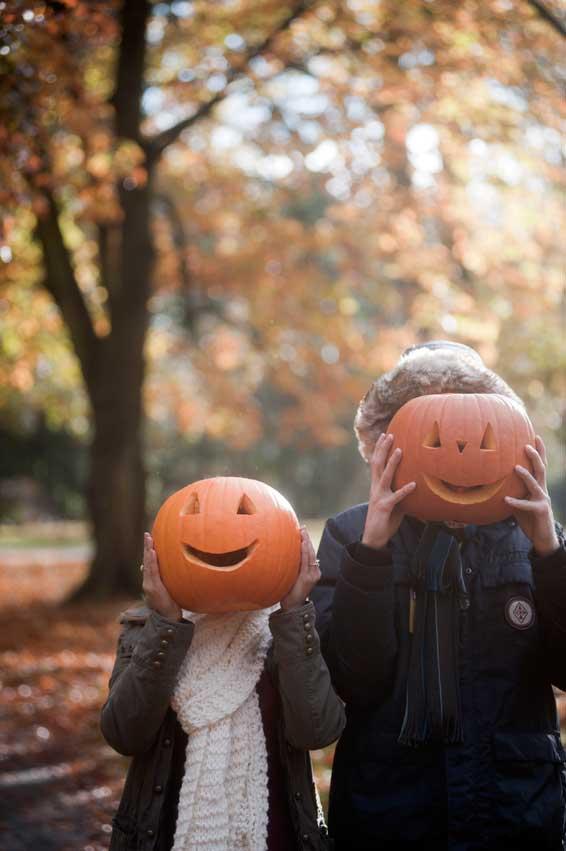 ninos-con-calabazas-halloween