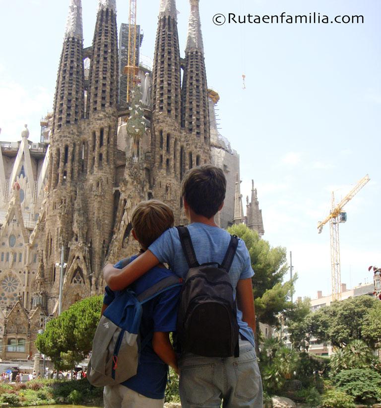 Ruta por la Barcelona de Gaudí con niños
