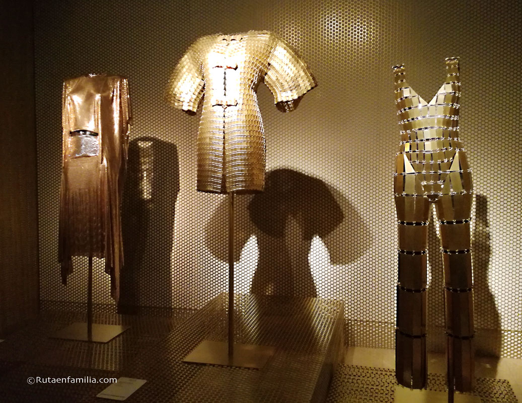 Exposicion-pacorabanne-goldemRoom