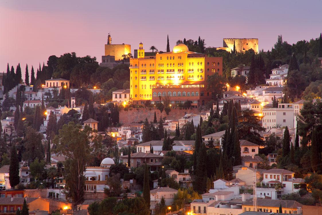 Hotel Alhambra Palace, un palacio nazarí en pleno corazón de la Alhambra