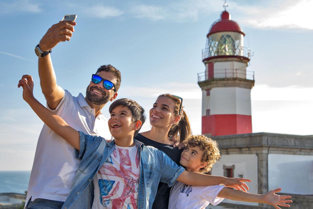 Conoce los oficios del mar en la ruta de los Faros de Galicia