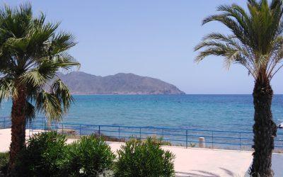 Mazarrón y su bahía, una costa cálida y turquesa para perderse en familia