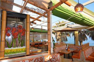 Living del restaurante Bamboo Nerja